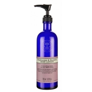 Recension av Neal's Yard Remedies bodylotion