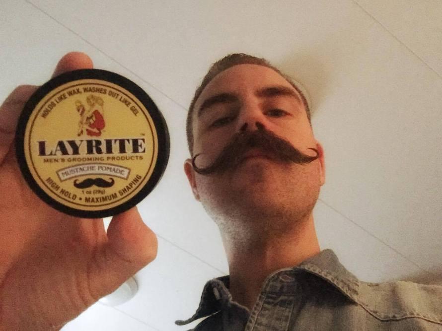 recension mustaschvax