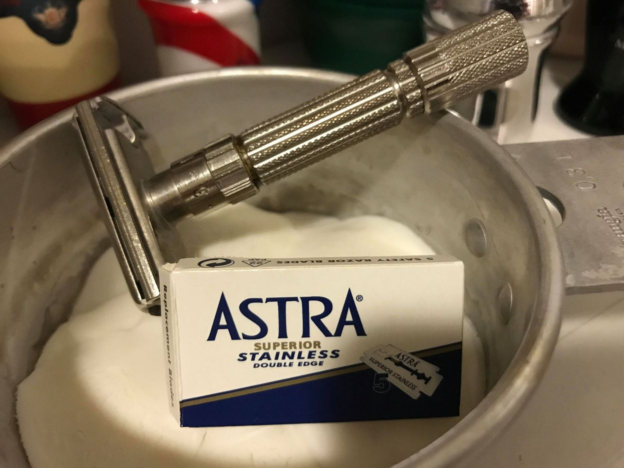 Astra Superior Stainless Double Edge Razor Blades